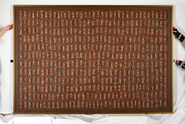 """Pendant la prise de vue du tableau """"Réflexions sur la Nature"""" de Marie Morel peint en 2002."""