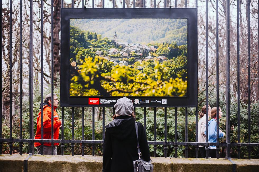 """Photo d'une photo de l'auteur de ce blog, dimanche 12 janvier 2014, du dernier jour de l'exposition """"Patrimoines l'histoire en mouvement"""" sur les grilles du jardin du Luxembourg à Paris."""