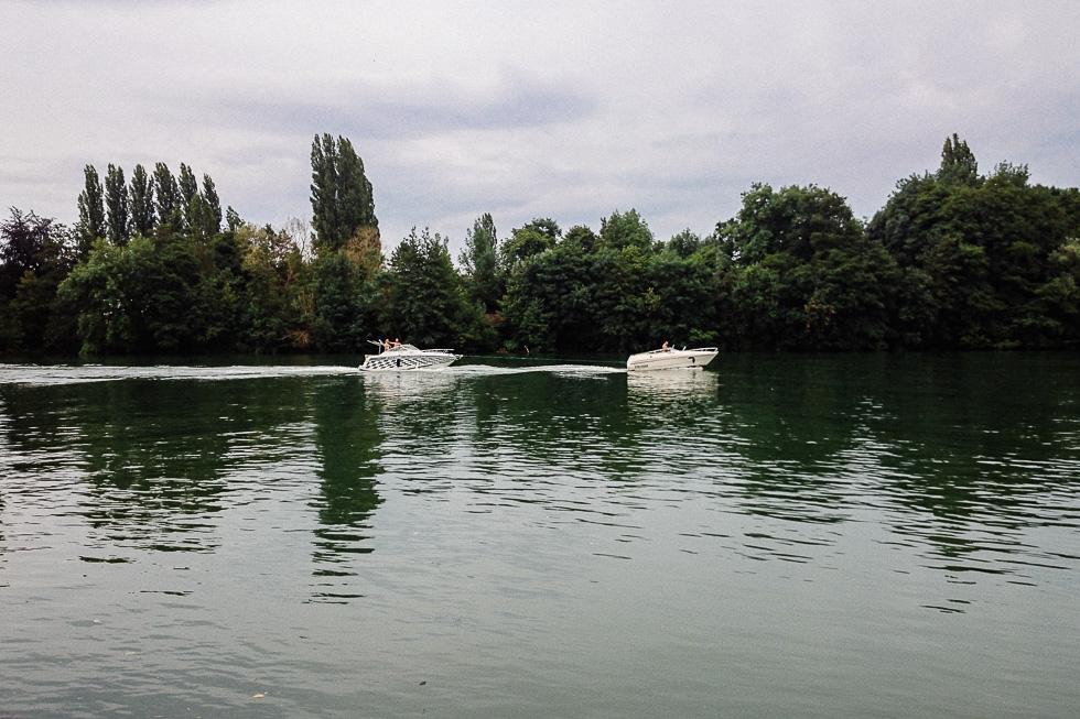 Ambiance sur la seine à Samois-Sur-Seine en Île-de-France le samedi 19 juillet 2014.